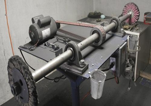 ماكينة الصقل - تشكيل البلاستيك