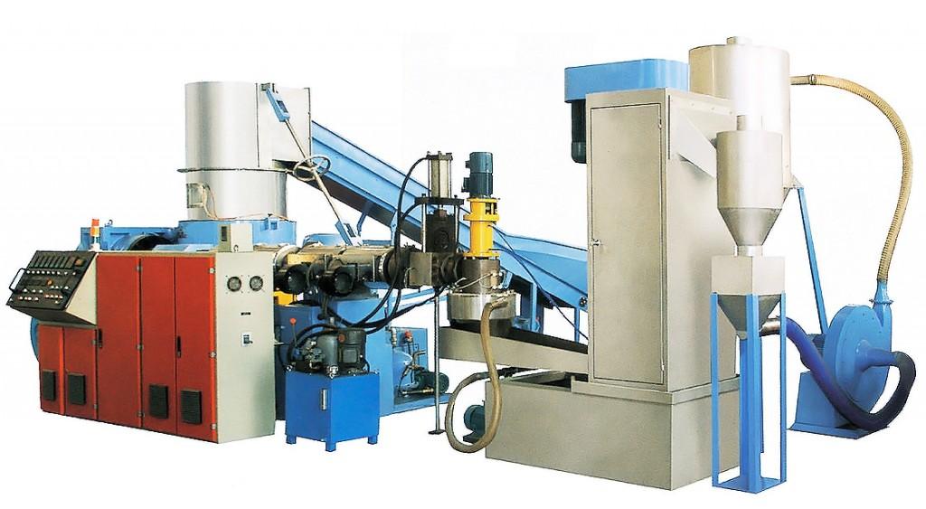 ماكينة الفيلم (السحب) المستخدمة في صناعة البلاستيك