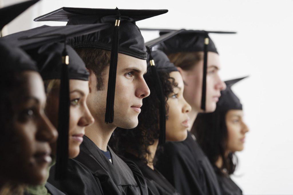 كيف استفيد من مشروع التخرج ؟